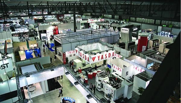 ventajas de contratar el montaje del stand de tu empresa en ferias de automatizacion industrial