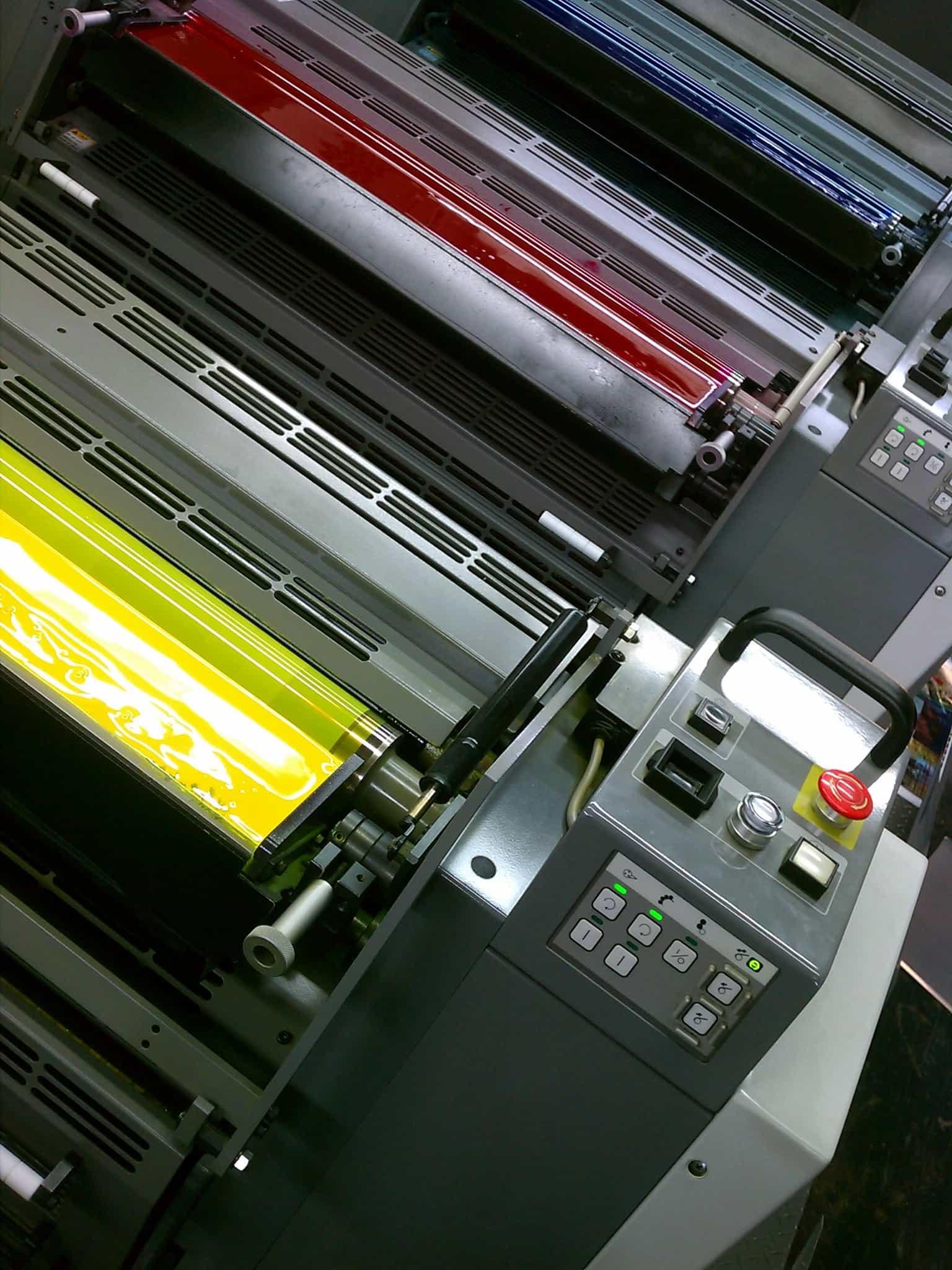 maquinaria para la industria grafica oki presenta sorprendentes innovaciones