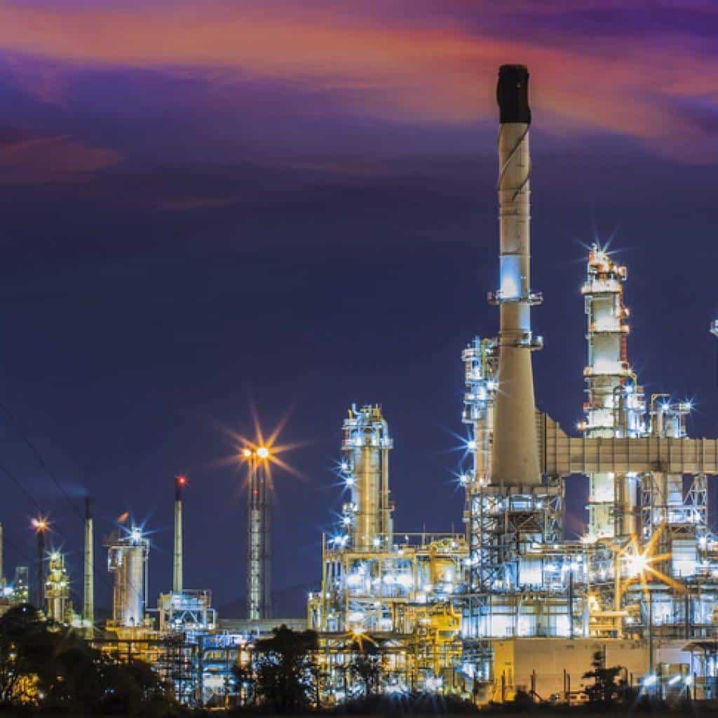 con que maquinaria se constituye la industria quimica y que procesos se realizan en esta