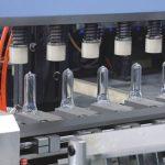 Cómo trabaja la maquinaria de soplado por inyección