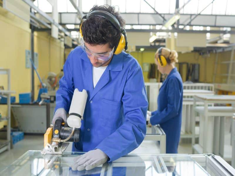 que seguros ha de contratar una fabrica